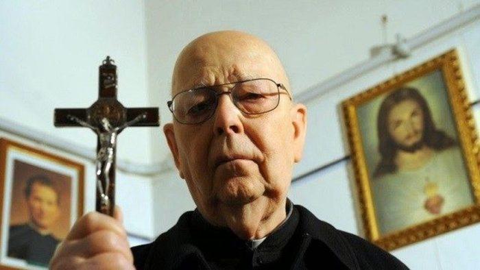 exorcista-romano-del-vaticano