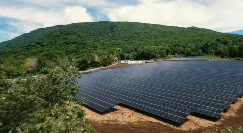 paneles-solares-isla-tau-solarcity