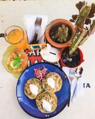 "Comida corrida en ""La Cochera"""