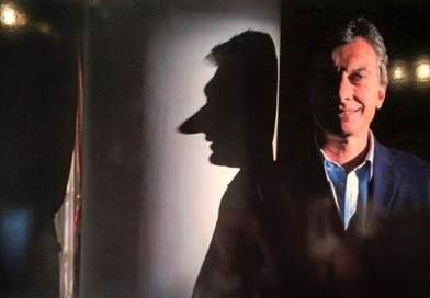 LOS PERROS GUARDIANES: Búnker con balcón a la verdad