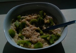 Supercharge your bowl of porridge with a Kiwifruit!