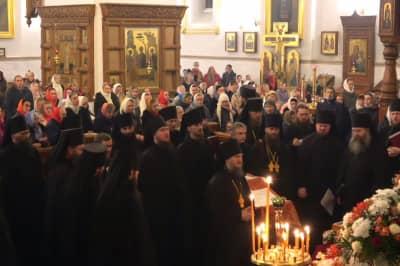 Святогірська лавра УПЦ МП на Великдень