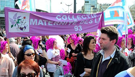 Manifestation pour la reconstruction de la maternité des Lilas
