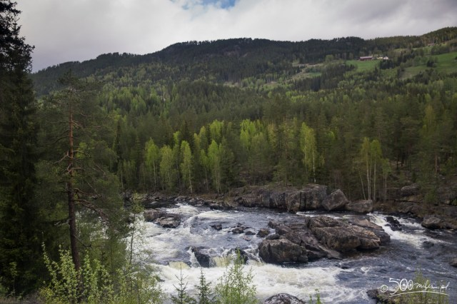 Oslo-Bergen train ride - river view