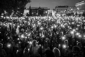 Łańcuch Światła - protest na Placu Wolności