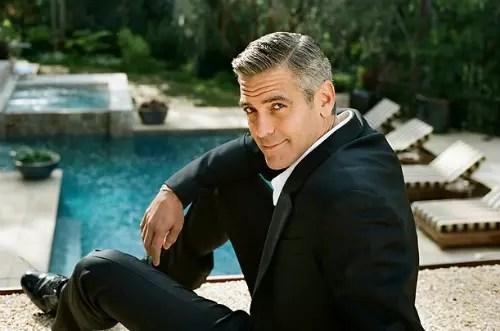 George Clooney, 54 anos,     com seu charme habitual