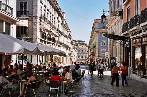 O Chiado, entre os locais encantadores de Lisboa