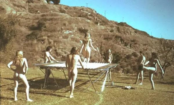 Sandstone Retreat no seu auge: nudismo era a regra
