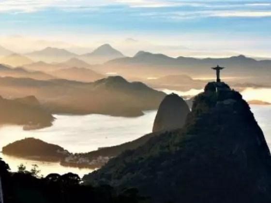 É a segunda cidade brasileira que mais recebe turistas depois de São Paulo