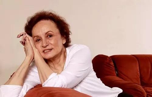 A atriz, 72 anos, venceu o câncer de mama