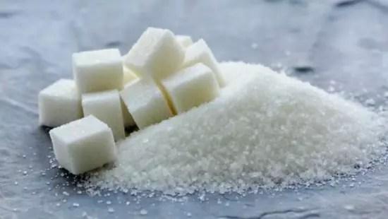 descobriu-se que, mesmo em porções normais, o açúcar pode ser tóxico