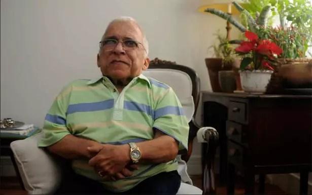 Após sofrer um AVC, o cantor de um metro e 12 cm, aos 66 anos, vive numa clínica