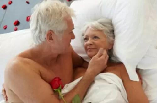 Muitos dos parceiros não usam camisinha, o que tem disseminado doenças