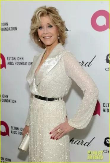 A atriz numa festa beneficente de Elton John antes do Oscar