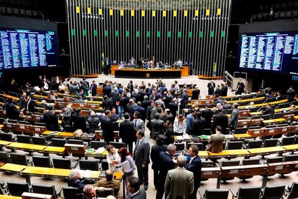 Dilma terá de se relacionar com um Congresso bem mais fragmentado