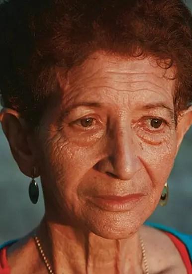 A autora acompanhou os últimos 115 diad de vida de Ailce  de Oliveira, 62