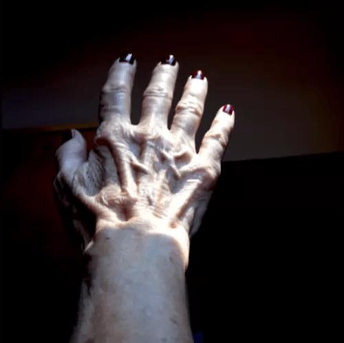 A mão com todas as mudanças sofridas ao longo do tempo