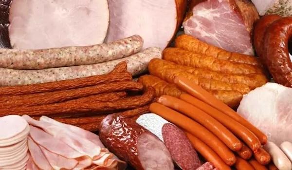 São chamados de maus alimentos: contêm quantidades consideráveis de nitritos e nitratos
