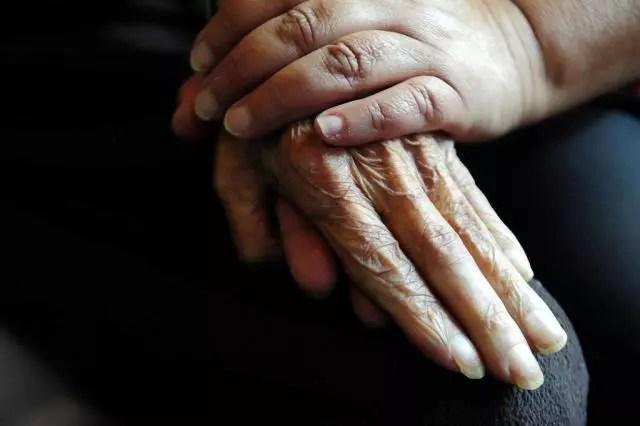 É um mito pensar que adoecemos só porque envelhecemos