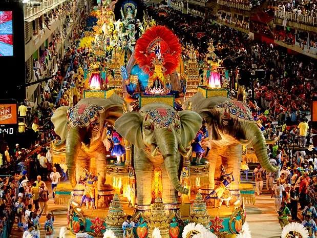 """Intitulado de """"Amarelo e Cinza"""", o samba enredo abaixo fala da """"festa da hipocrisia"""""""
