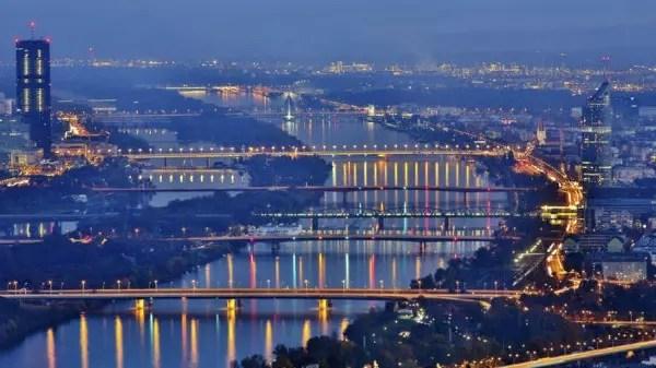 A capital da Áustria foi fundada em 500 a.C. e tem menos de 2 milhões de habitantes