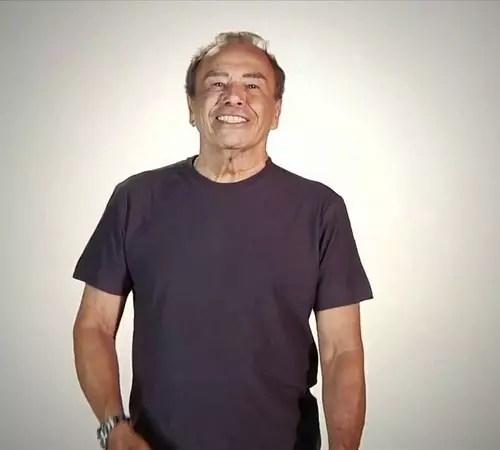 O ator, de 83 anos, reclama do preconceito contra velhos que têm parceiros jovens