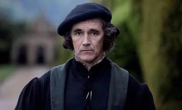 O ator britânico Mark Rylance se destaca fazendo o papel de Cromwell