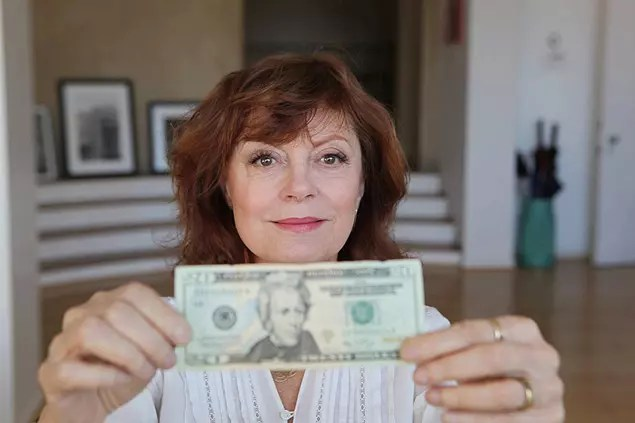 A atriz Susan Sarandon, 72, é uma das que participaram da campanha para por uma mulher na nota de dólar