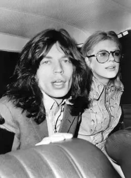 Em 1969, a namorada era Marianne Faithful