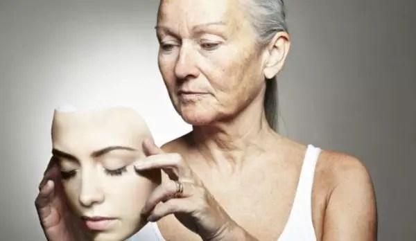 """Como todo conceito incômodo, o envelhecimento apresenta denominações diversas: do suave """"melhor idade"""" até o cruel """"zona do desmanche"""""""
