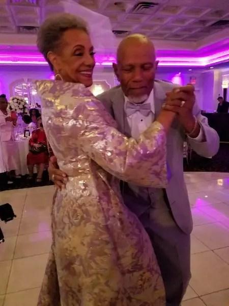 Com o agora marido Harold Morrison