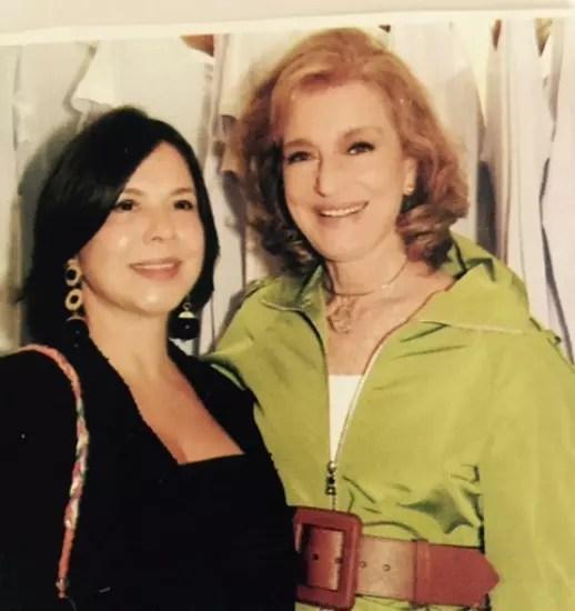 Beth e a consultora de moda e empresária Costanza Pascolatto