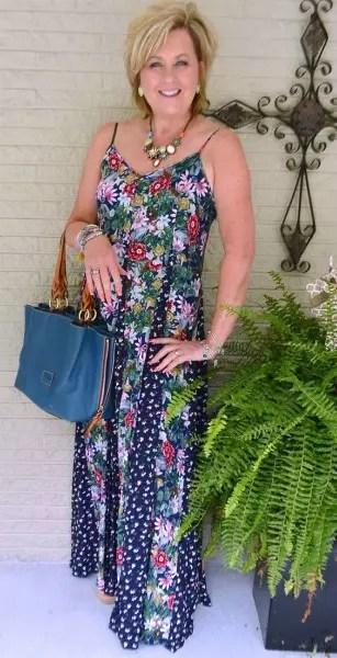 Vestido longo de alcinhas, próprio para o verão