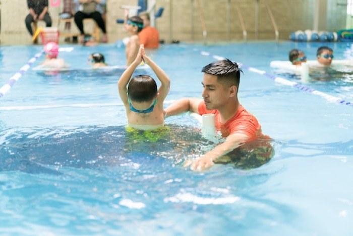 East Bay swimming lessons -- photo of AquaTech Swim School