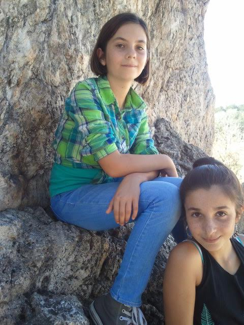 Elie and sister climb Berkeley's Indian Rock