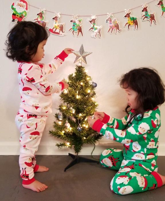 christmastreedecorating