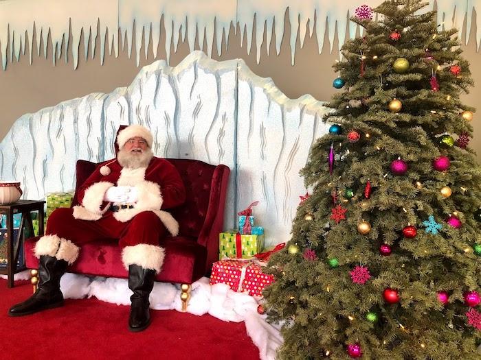 Santa Claus photos at Alameda South Shore