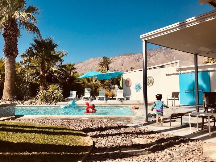Palm-Springs-Pool