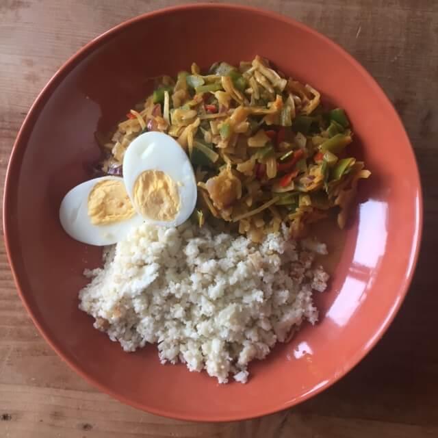 Vegetarische Curry Met Bloemkoolrijst