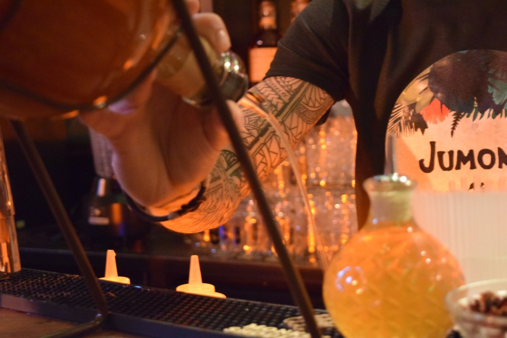 monkey shoulder popup cocktail bar paris