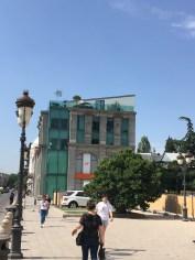 Diese Art von Glashistorismus scheint es nur in Tiflis zu geben