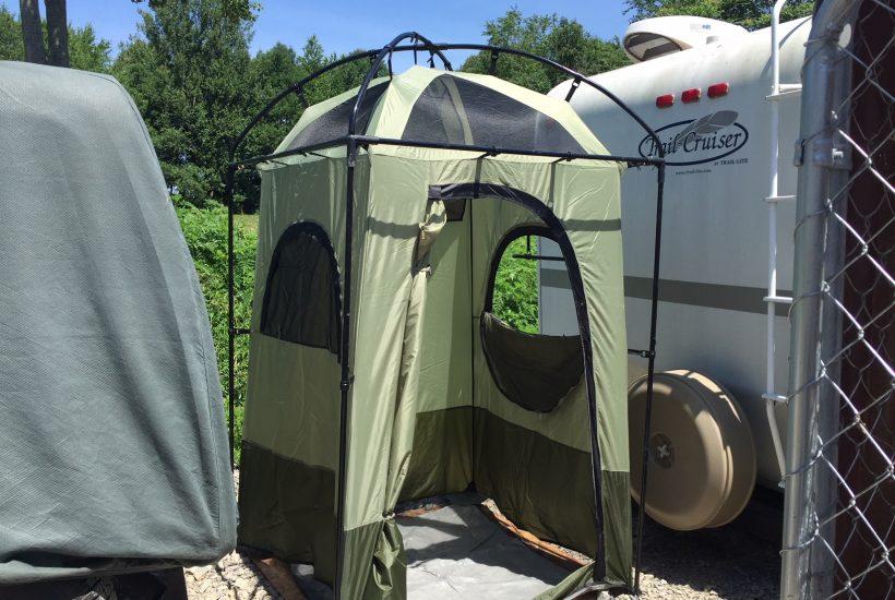 camp shower 5 dog farm
