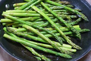 How to Saute (and Roast) Asparagus   5DollarDinners.com