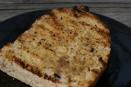 grilled-garlic-bread-2