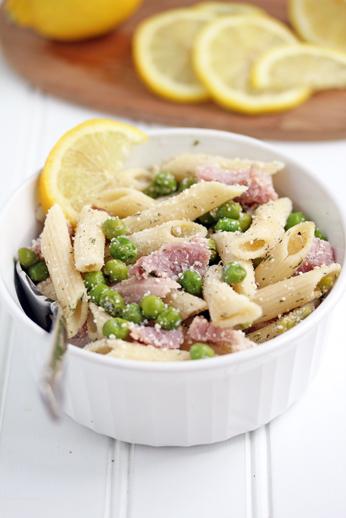 Lemon-Pasta-with-Ham-and-Pe
