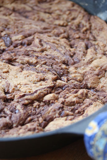 One Skillet Chocolate Chip Cookie | 5DollarDinners.com