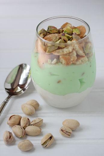 pistachio pudding parfaits