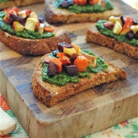 kale and sage pesto crostini