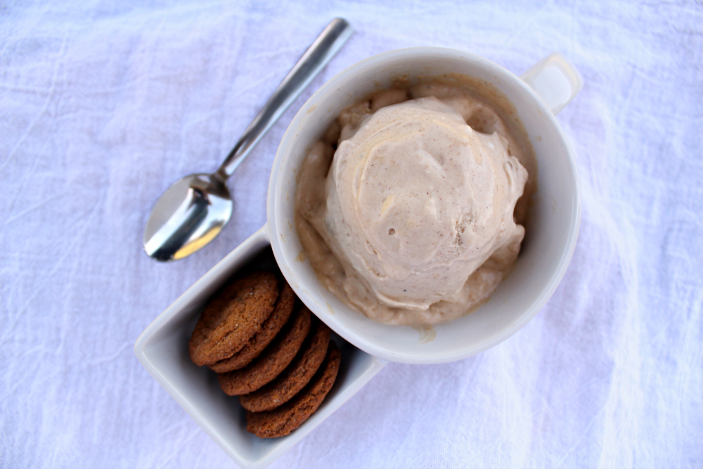 apple pie ice cream horizontal 2