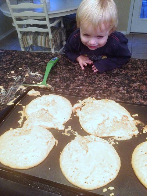 Cuatro Making Pancakes